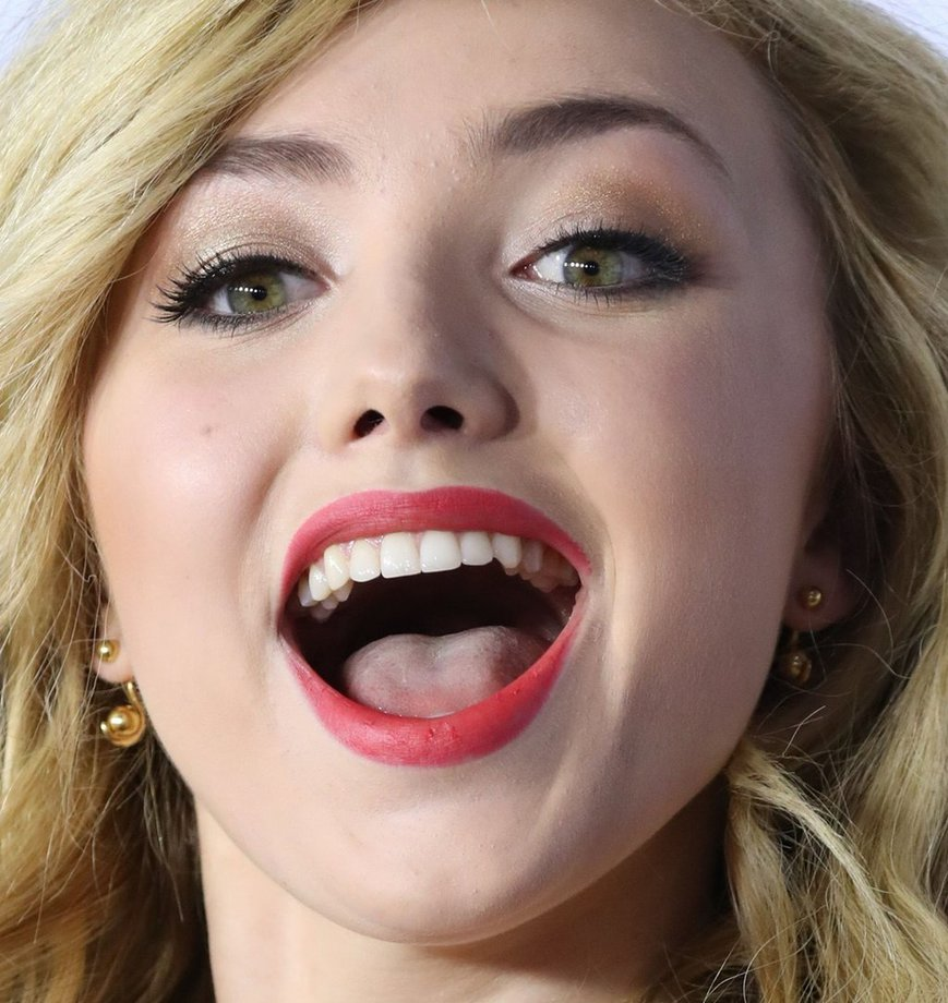 babe-facial-tongue-twin-milf-gif