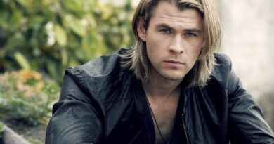 Chris Hemsworth in A Perfect Getaway