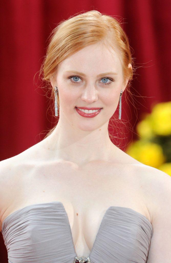 deborah ann woll | Beautiful redhead, Deborah ann woll
